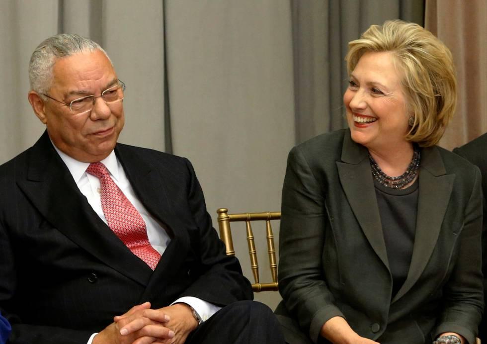Colin Powell junto a Hillary Clinton, en una imagen de archivo