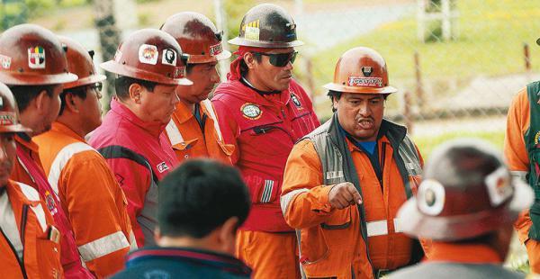 Los mineros sostuvieron una reunión la tarde de ayer en las mismas instalaciones de Emipa. Hoy se sentarán con ejecutivos de la firma