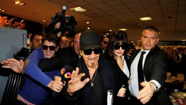 Pacino casi no habló con la prensa, pero saludó y se mostró sonriente. (Gustavo Ortiz)