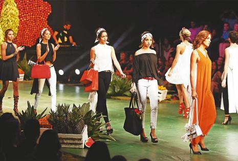/cuadro de apertura. liliana castellanos dio por inaugurada la segunda versión del bolivia moda primavera-verano 2016