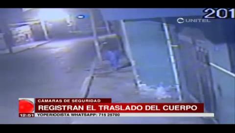La Paz: Cámara logra captar cuando sujetos sacan el cadáver de una mujer a la calle