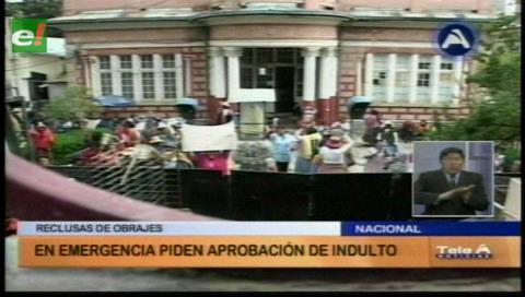 La Paz: Reclusas de Obrajes exigen acelerar indulto
