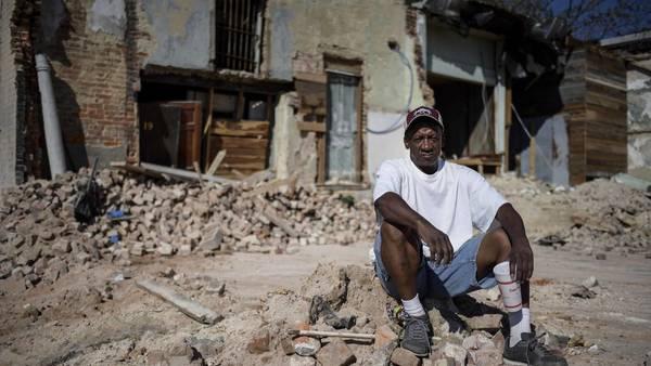 Albañil. Wade Sledge 61 años, vive de changas en Macon. Dice que votará por Trump. /Roberto Candia
