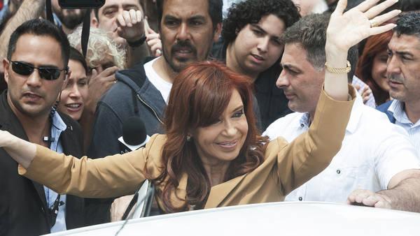 Cristina Fernandez de Kirchner declara ante el juez Julian Ercolini en los Tribunales Federales Retiro.