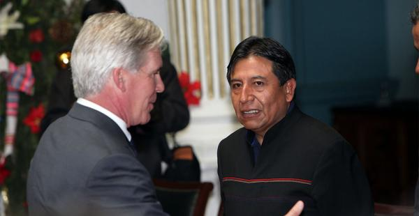 David Choquehuanca y Peter Brenna, el encargado de negocios de la Embajada de Estados Unidos