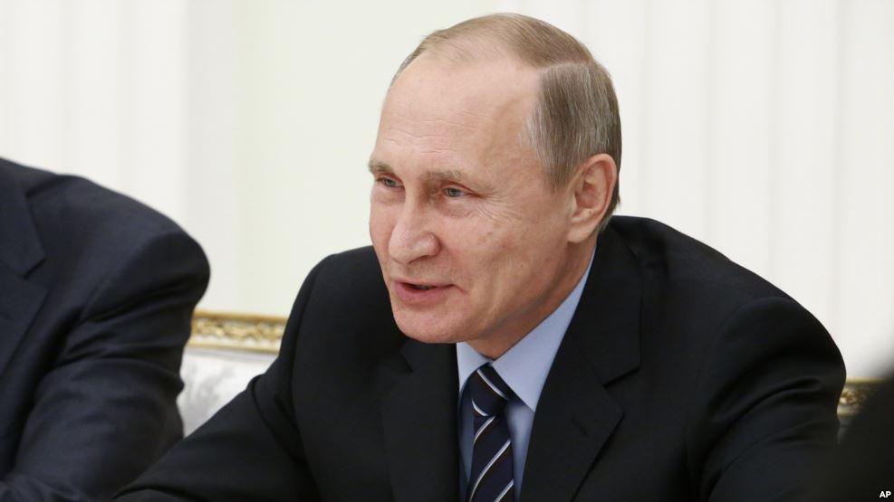 El presidente ruso envió un telegrama a Donald Trump para felicitarlo por el triunfo.