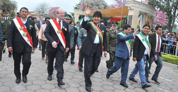 El presidente Evo Morales participó este miércoles de los actos de celebración de la provincia Gran Chaco. Adelantó que en 2016 los ingresos para las regiones disminuirán