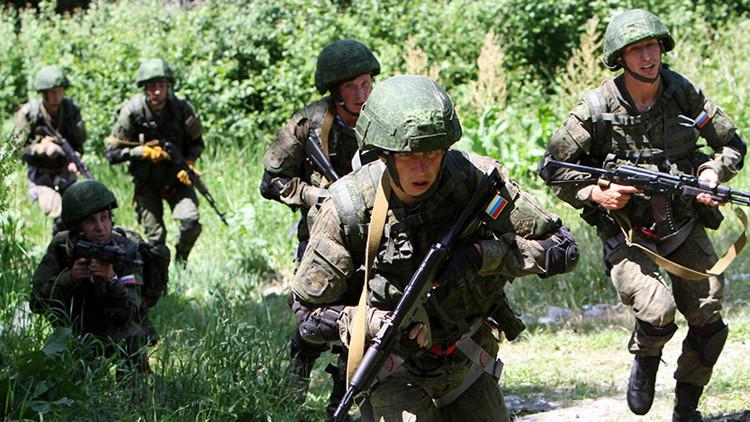 Soldados rusos durante ejercicios militares