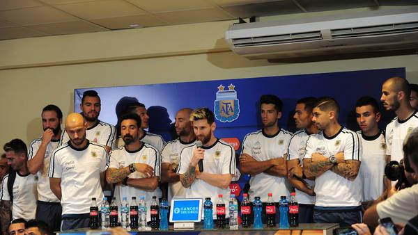 Los jugadores argentinos, en la conferencia de prensa. (Mario Quinteros)