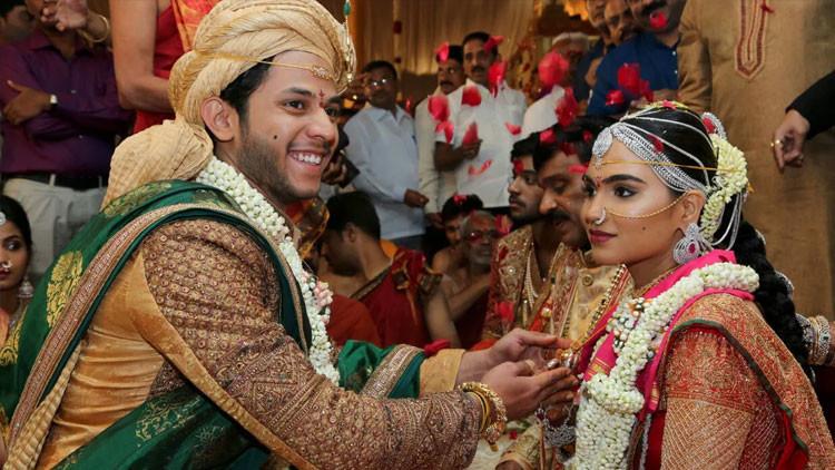 La hija de Gali Janardhan Reddy, Bramhani, con su novio, Rajeev Reddy, durante la boda.