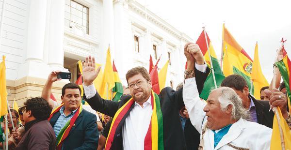 Samuel Doria Medina, como en la anterior audiencia, tuvo el apoyo de los seguidores de UN