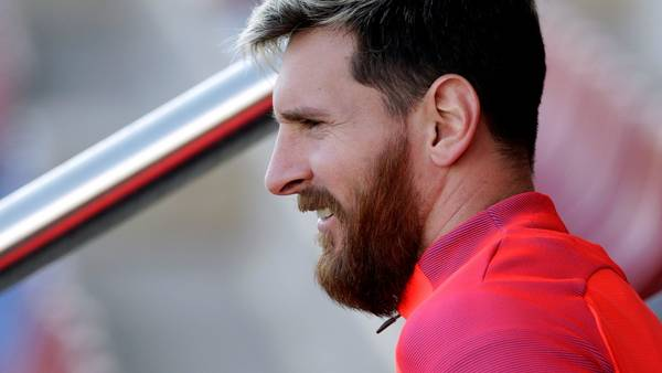 Messi, máximo goleador de la Liga, se perderá el partido con Málaga. (AP Photo/Manu Fernandez)