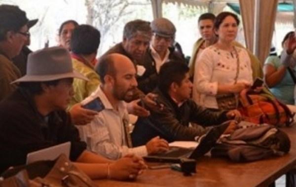 """Comunicadores indígenas del continente instalaron Cumbre paralela y denunciaron """"intromisión"""" del Gobierno boliviano"""