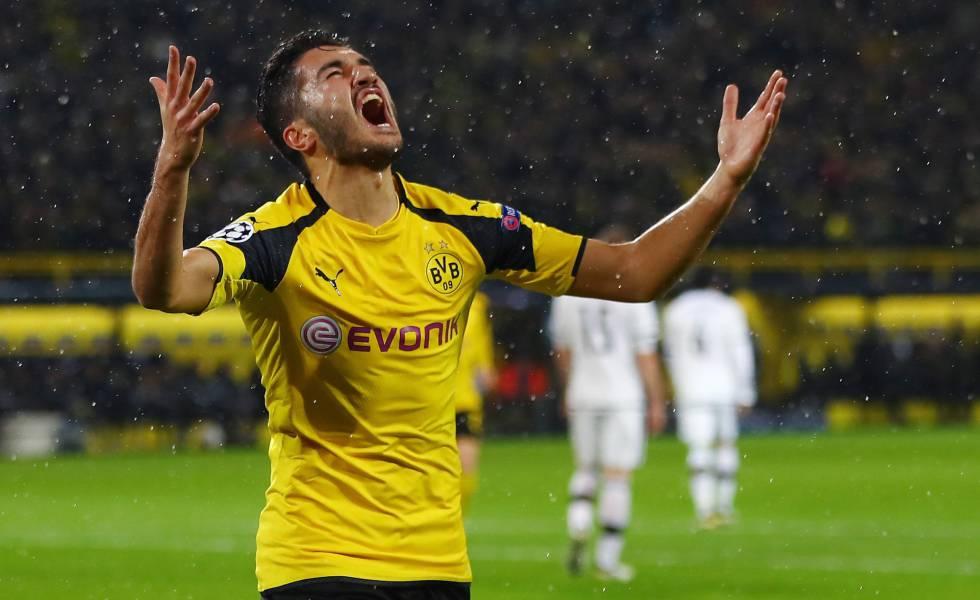 El exmadridista Nuri Sahin festeja el gol que le marcó al Legia.