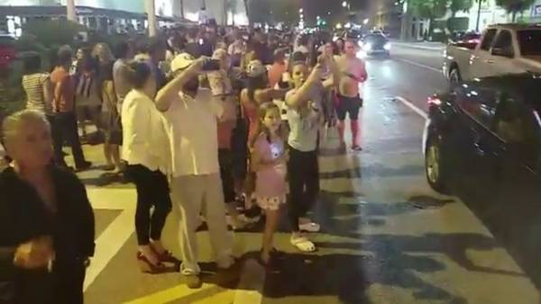 Festejos en las calles de Miami, tras conocerse la noticia de la muerte de Fidel Castro.