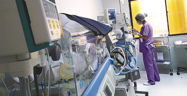 Neonatología tiene 21 camas para terapia intensiva y no abastece. El año pasado la Maternidad derivó a 188 bebés a clínicas privadas