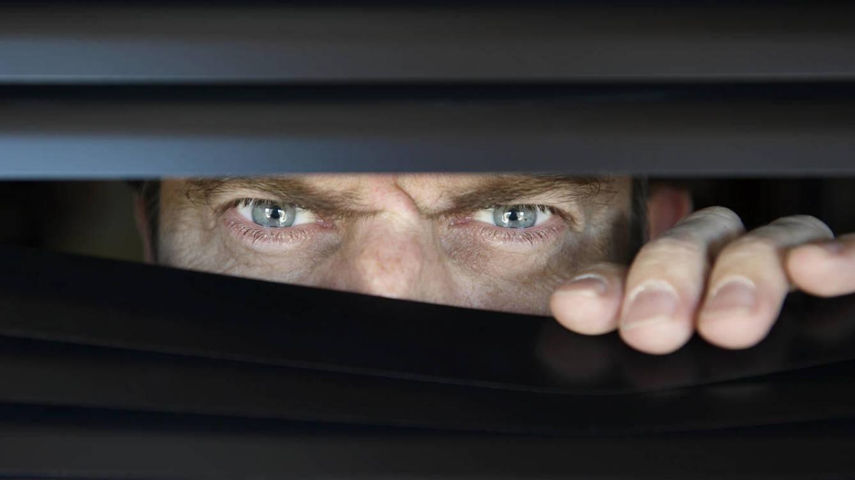 Foto: ¿Quién vigila a los 'voyeurs'? (iStock)