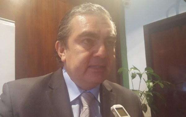 Ministro de Autonomías advierte con cerrar a ONG que no haya adecuado su personería