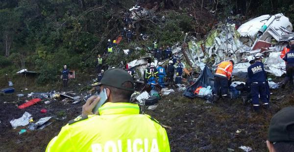 Policía de Antioquia en la búsqueda de cuerpos de las víctimas del avión de LaMia