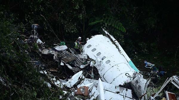 Después. La desgarradora imagen de los restos de la aeronave de la empresa boliviana LaMia. (AFP)