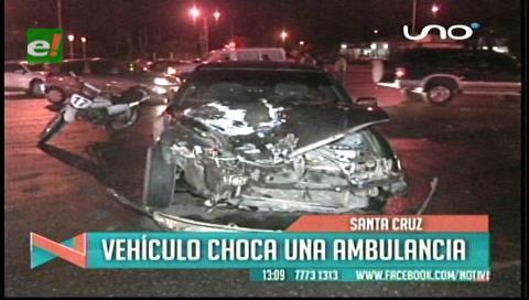 Vehículo choca con una ambulancia que venía de Camiri