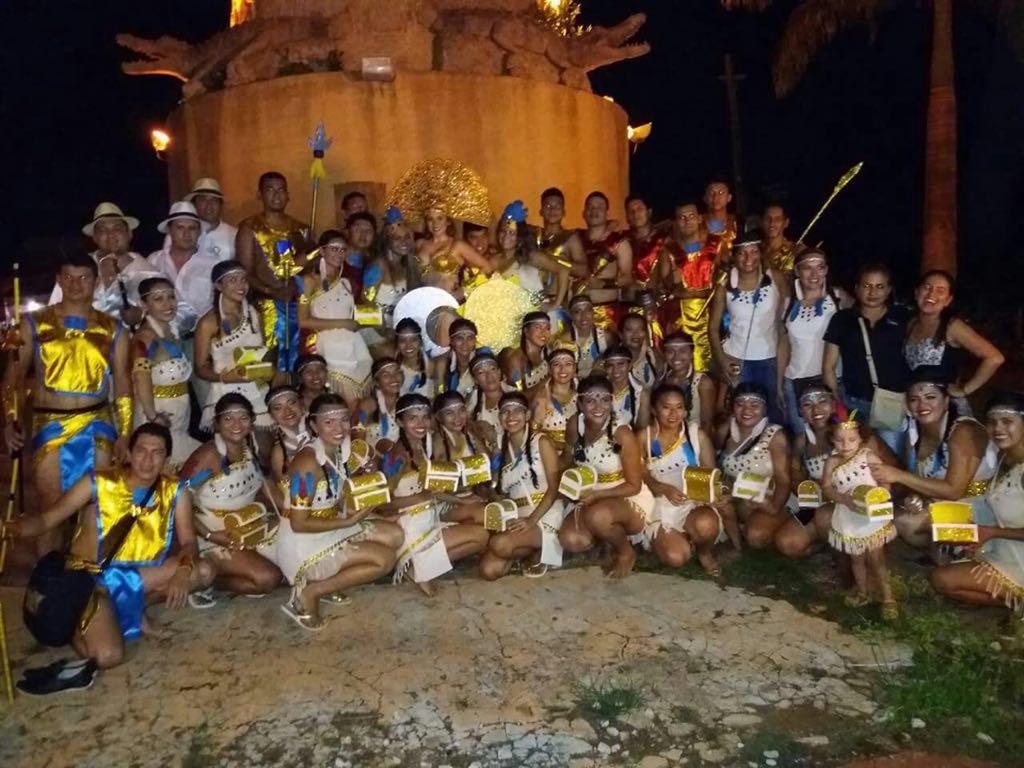 Alumnos de la UAP representando El Gran Paitití