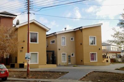 Los departamentos de la calle Alvear 391. Foto Néstor García.