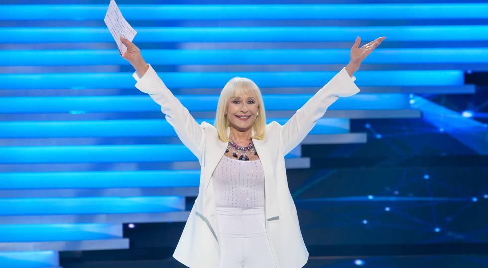 La presentadora y cantante Raffaella Carrà.