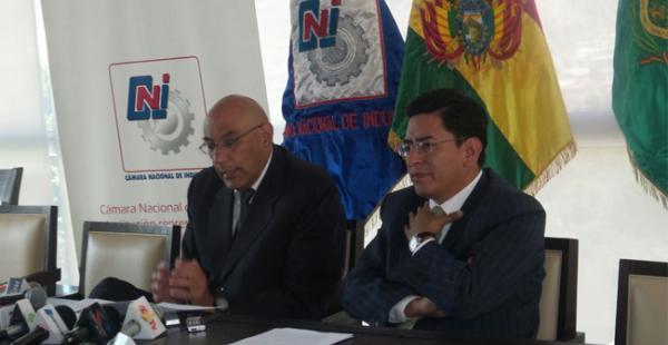El presidente de la CNI señaló que en un contexto de desaceleración y caída de precios internacionales