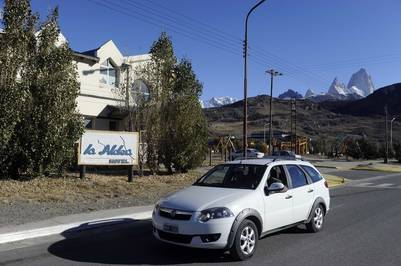 El hotel La Aldea propiedad de Los Sauces SA. Foto Maxi Failla.