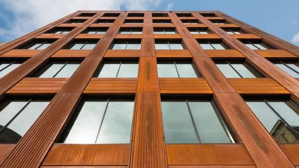 MADERA. La estructura se levantó en dos meses y medio (Fotos Ema Peter).