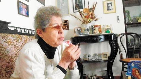 La poetisa e intérprete Matilde Casazola