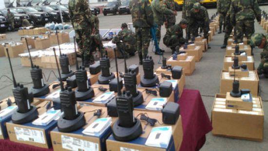 Acto de entrega de equipos al Ejército en el Estado Mayor.