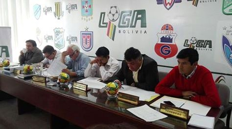 El Consejo Superior de la Liga reunido en Santa Cruz.