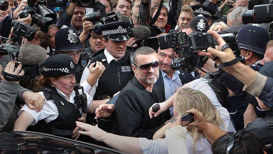 Michael, cuyo nombre real es Georgios Kyriacos Panayiotou, nació el 25 de junio de 1963 en Londres. Aquí antes de entrar a la corte en Londres en 2010. (Peter Macdiarmid/Getty Images)