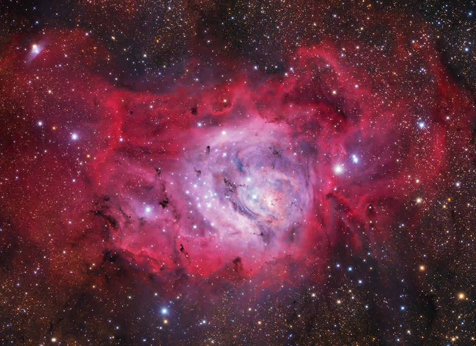 Estrellas recién nacidas en la Nebulosa Laguna, a 5.000 años luz de la TIerraM8: Lagoon Nebula © Ivan Eder – Hungría (Astronomy Photographer of the Year 2016)