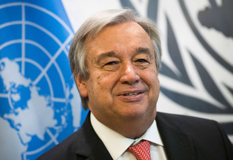 El recientemente elegido secertario general de la ONU, Antonio Guterres, en una sesión de fotos en la sede de Naciones Unidas. Foto: AFP