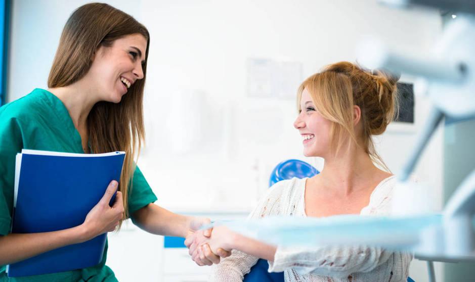 ¿Cómo interactúan médicos y pacientes? (iStock)