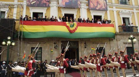 Desfile por el aniversario del Estado Plurinacional celebrado el 22 de enero de 2016. Foto: Ministerio de Trabajo