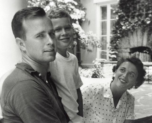 George Bush (padre) durante el verano de 1955.