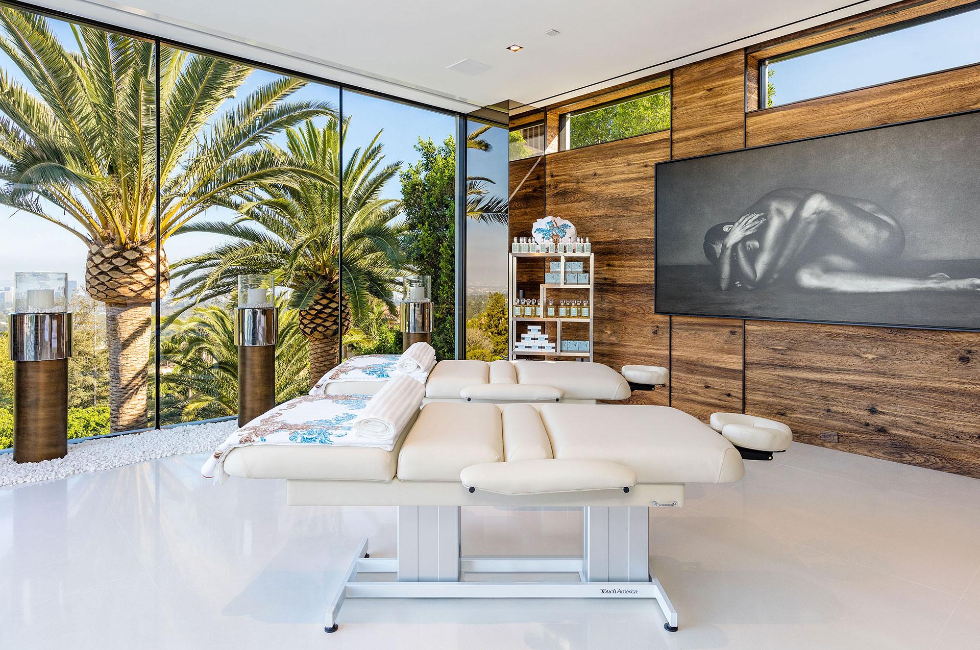 La mansión tiene 21 baños y exclusivas zonas de relax (BAM Luxury Development)