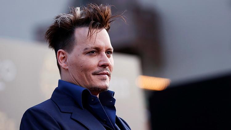 Demandan a Johnny Depp por gastar demasiado dinero