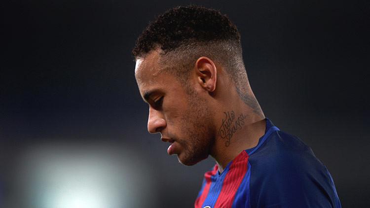 Neymar se burla de su novia en la Red (VIDEO)