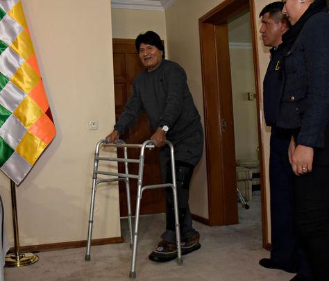 El Presidente de Bolivia Evo Morales Ayma en plena recuperación tras ser operado de la rodilla.