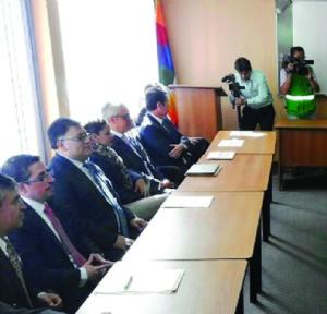 Sin consenso envían a Asamblea proyecto de 50% de IUE a banca