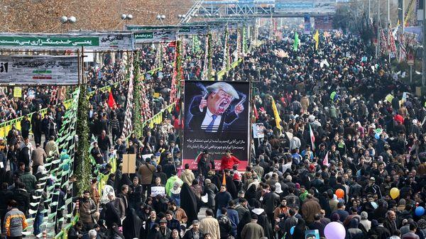 Una vista general de la Plaza Azadi, donde se realizó el acto en Teherán (AP)