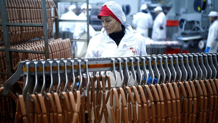 Salchichas elaboradas en un campo de trabajo nazi: ¿qué tiene de malo?