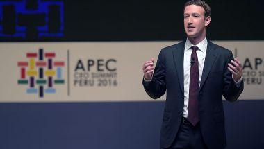 Mark Zuckerberg, fundador y director ejecutivo de Facebook, durante una sesión de la APEC en noviembre de 2016. (Crédito: RODRIGO BUENDIA/AFP/Getty Images/Archivo)