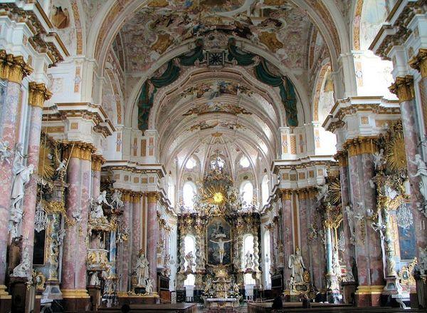 El interior de la Abadía de Furstenfeld