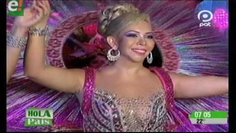 Aracely Saucedo reina a las damas Cuñataí